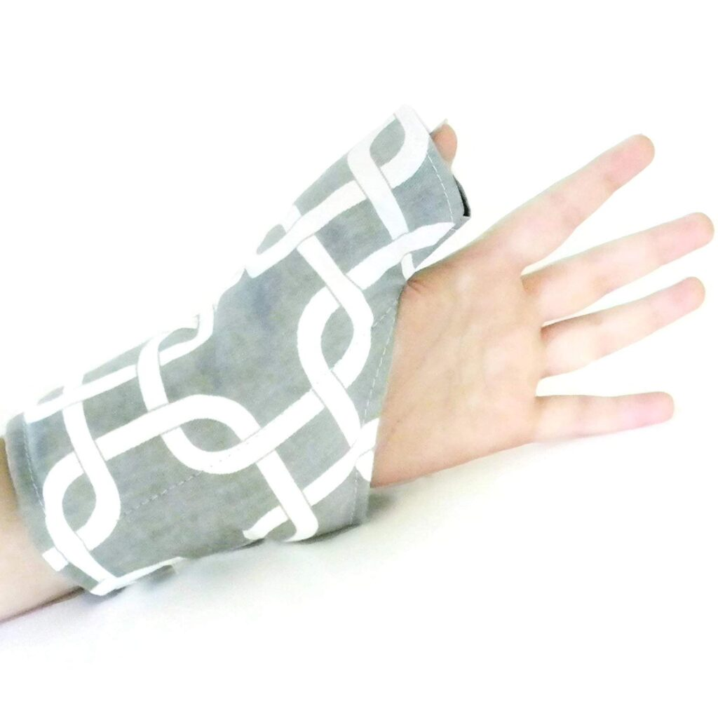 Use Heating Pad to fix thumb pain from mouse uses.